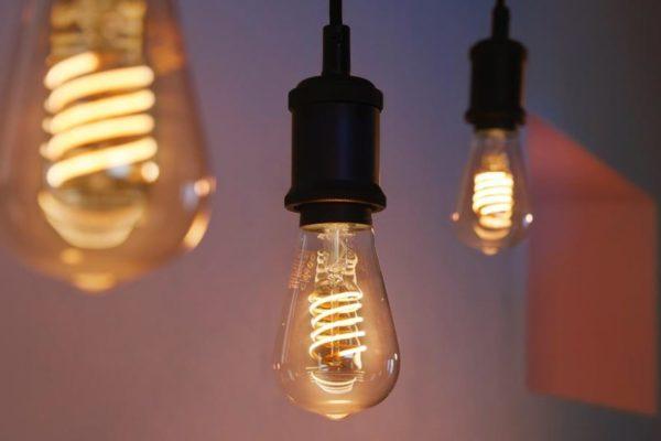 Philips Hue Filament : Bóng đèn dây tóc thông minh có thể chỉnh độ sáng và điều khiển bằng giọng nói