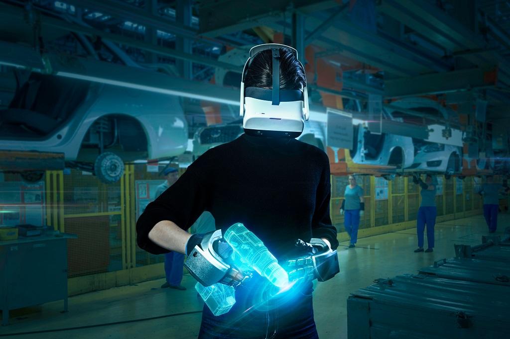 SenseGlove Nova : Đôi găng tay mang đến cảm giác thực khi đào tạo lái xe ảo